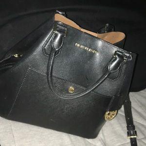 Handbags - Michal Kors purse